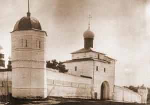 Благовещенская церковь Покровского монастыря старое фото